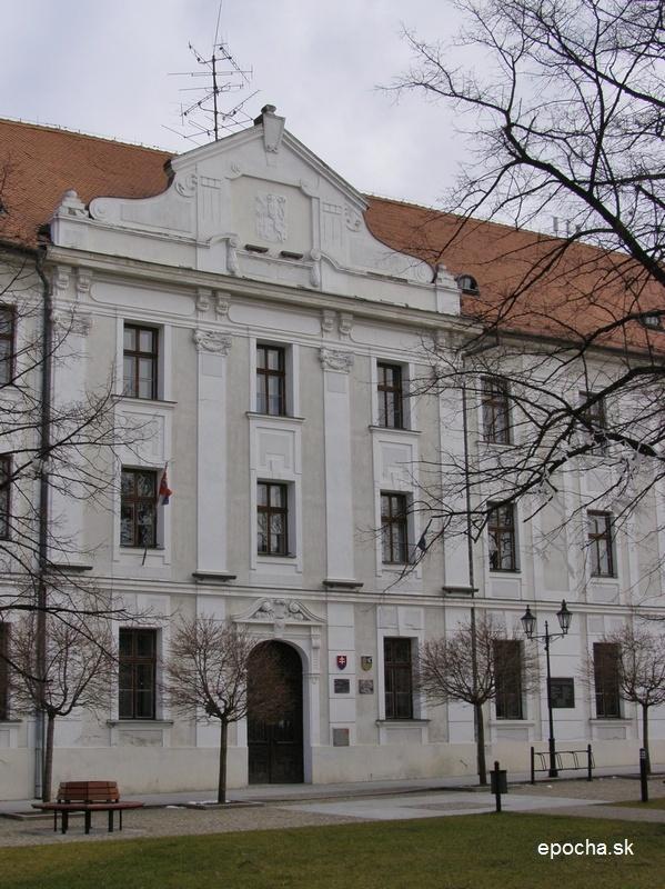 Jezuitské gymnázium, dnes Gynnázium F. V. Sasinka v Skalici, ktoré Ján Hollý navštevoval v r. 1797 – 1799 (www.epocha.sk)