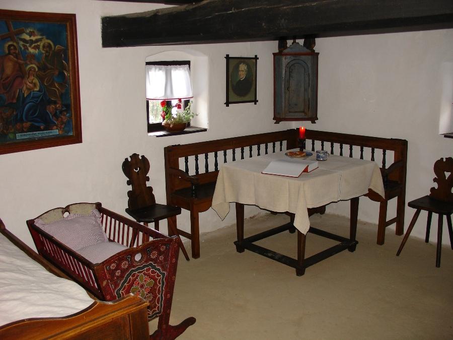 Rodný dom Jána Hollého (www.zahorskemuzeum.sk)