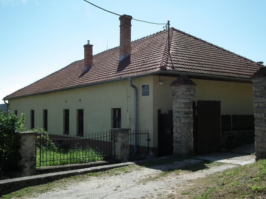 Fara vDobrej Vode, kde žil Ján Hollý u svojho priateľa Martina Lackoviča (www.obecdobravoda.eu)